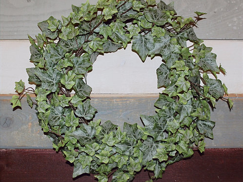 "14"" English Ivy Wreath"