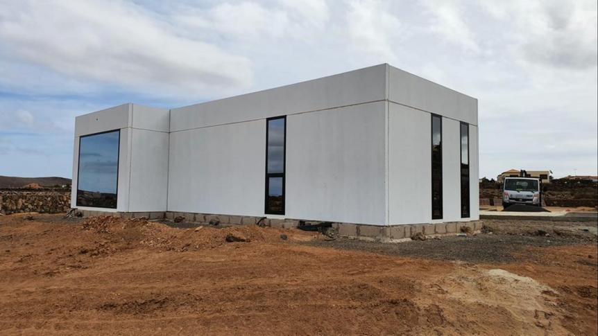 Maison en construction sur un terrain de 4000m2