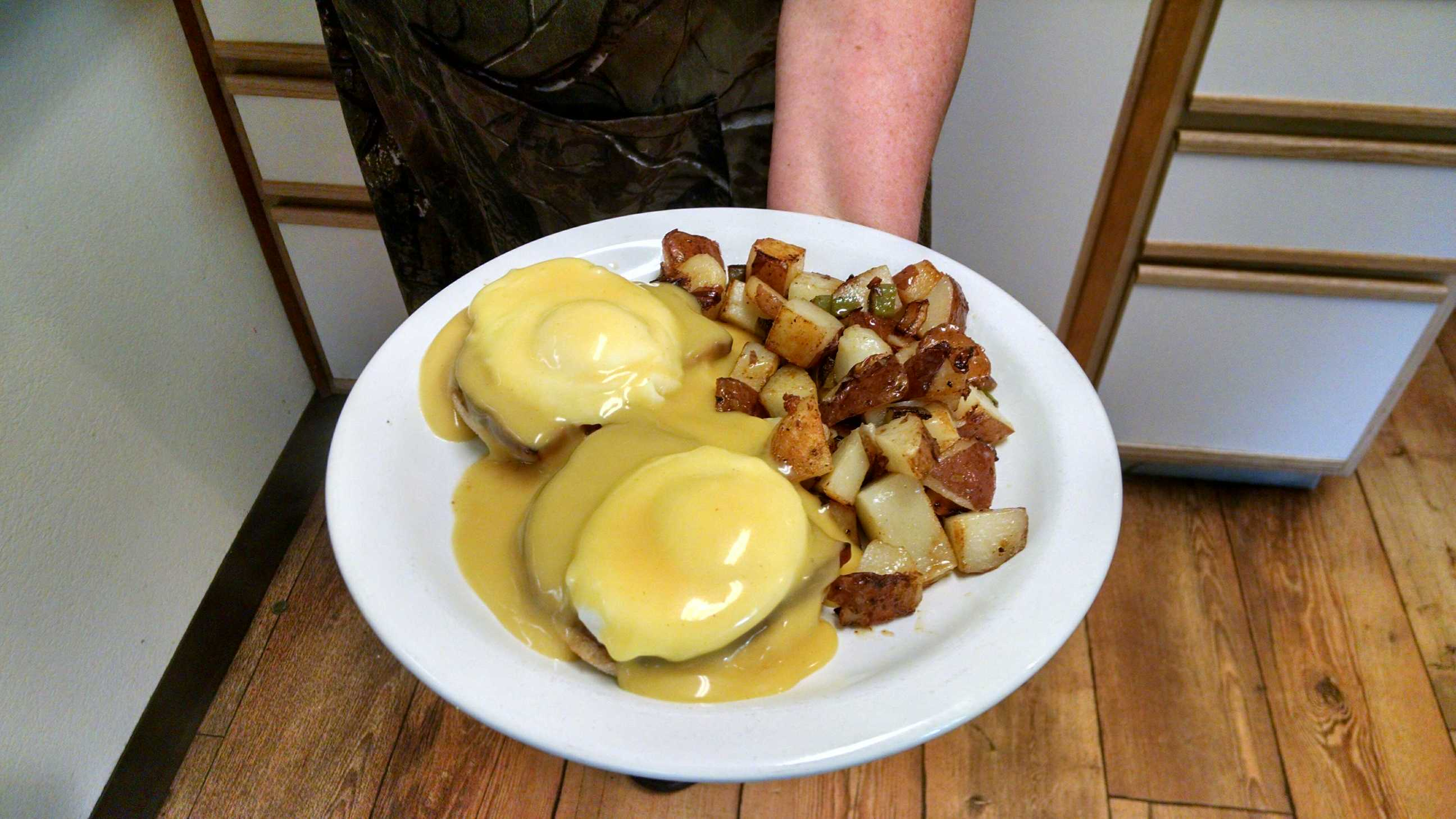 Eggs Benedict with Country Reds