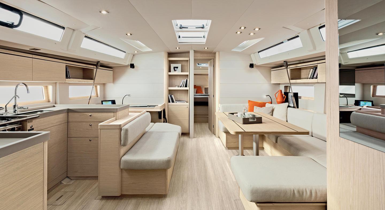 Beneteau-oceanis51.1_interior_salon.jpg