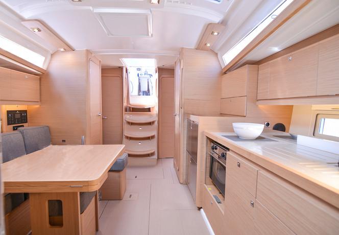 dufour_390_interior_saloon_light_oak_woo