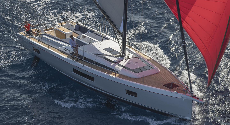 Beneteau_oceanis51_1_sailing.jpg