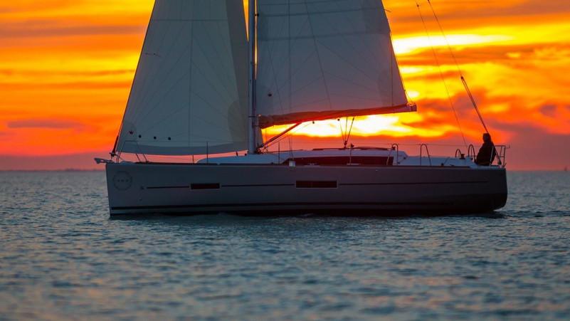 dufour_390_sunset.jpg