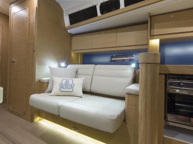 dufour_460_grand_large_4_skipper_desk_and_sofa