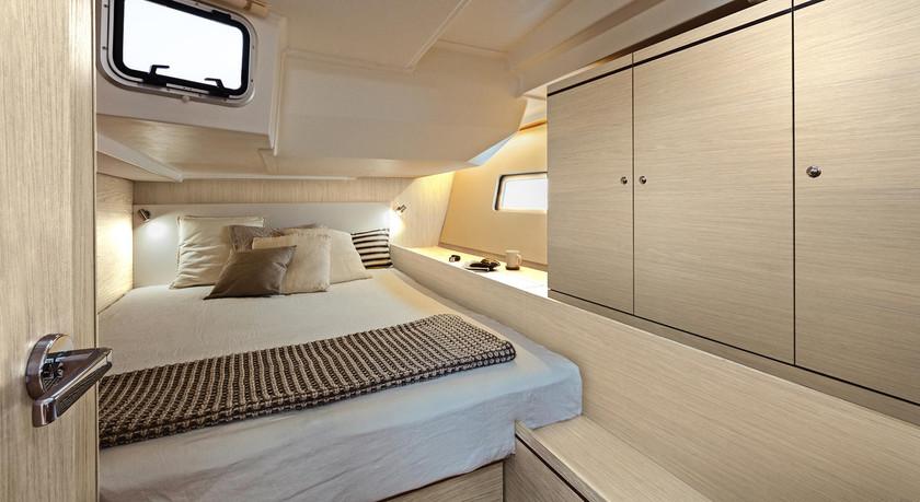 Beneteau-oceanis51.1_interior_rear_cabin