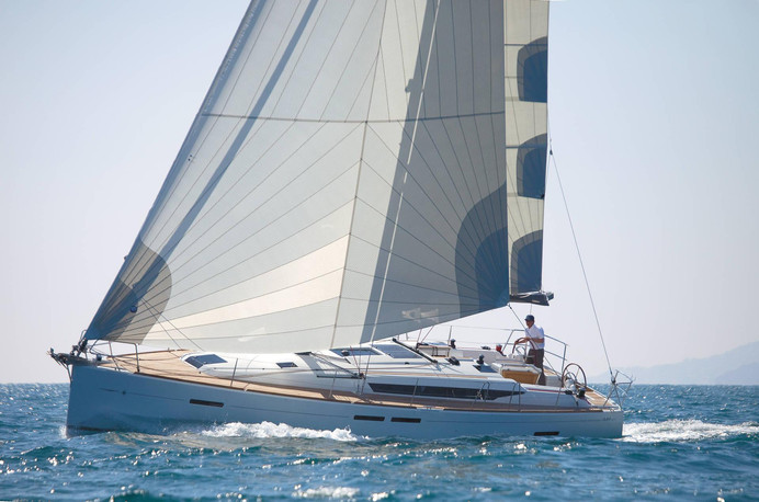 Jeanneau_Sun_Odyssey_449_sailing.jpg