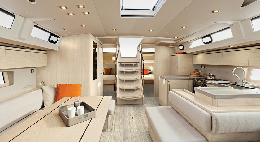 Beneteau-oceanis51.1_interior_salon_espa