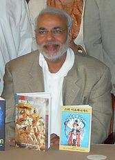 Narendra Modi receives Korean Bhagavad Gita