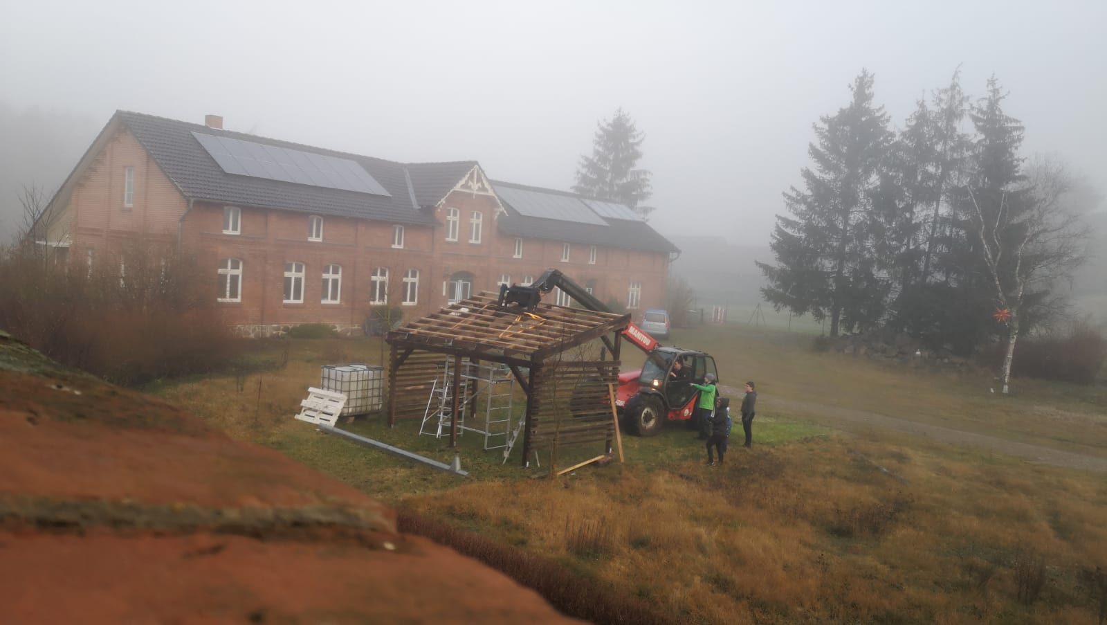 Wir bauen eine Außenbühne
