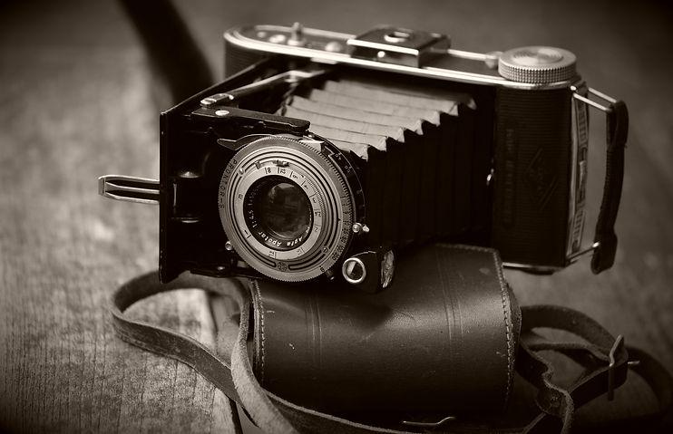 camera-3635458_1920.jpg