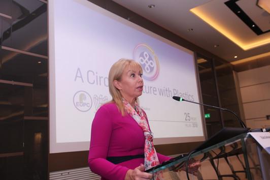 EU Commissioner Elżbieta Bieńkowska speaking at A Circular Future with Plastics.