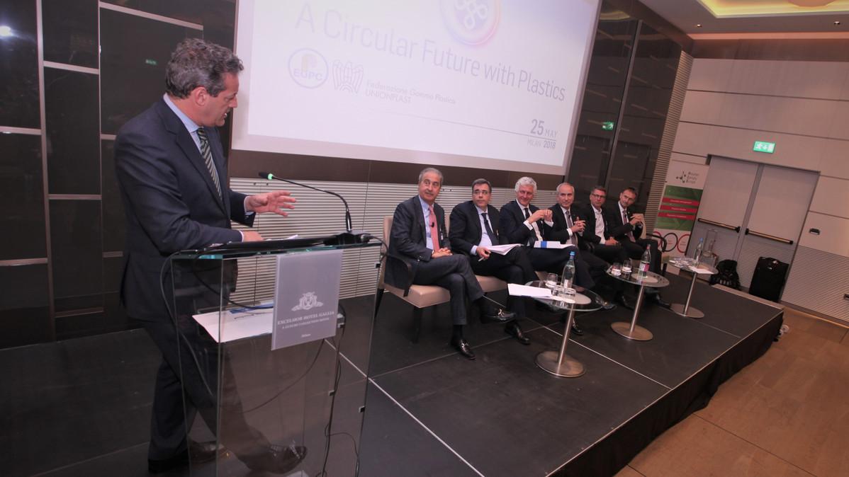 Panel Debate at A Circular Future with Plastics