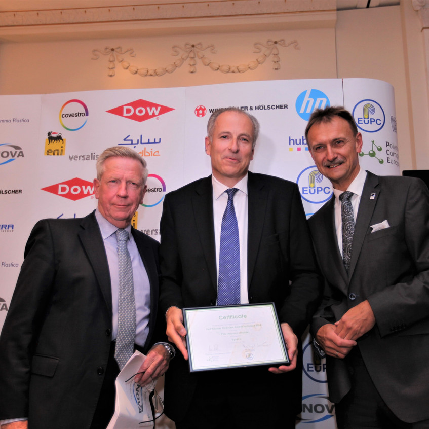 Stefan Sommer, President Vynova Group (centre) with the awards for the best PVC Producer. Ron Marsh, Chairman of the Polymers for Europe Alliance (left) and Michael Kundel, EuPC President (right).