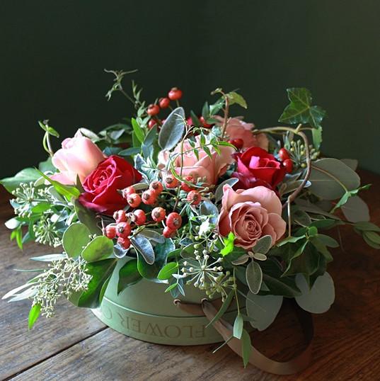RoseHipswww.realflowers.co_.uk_.jpg