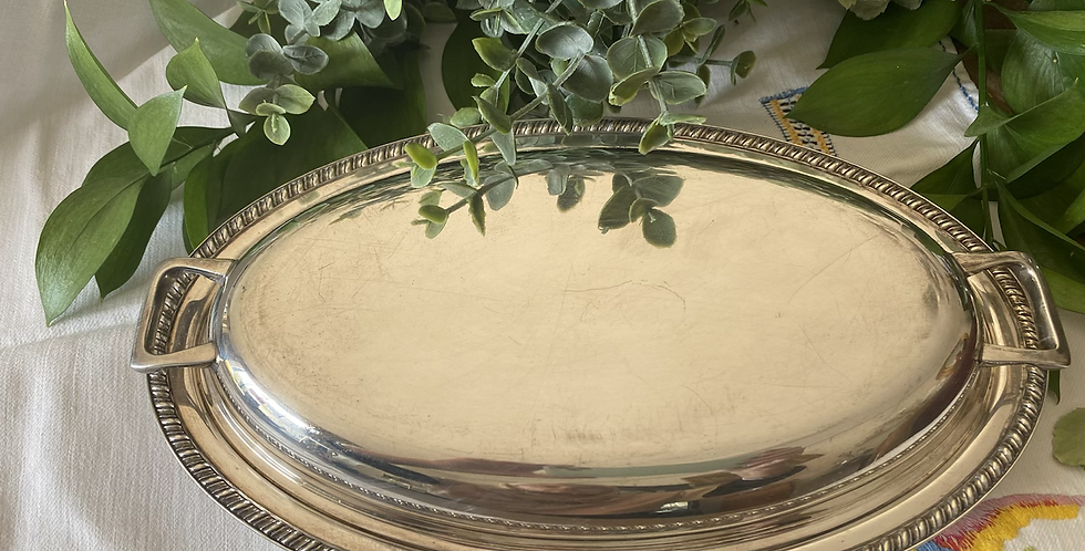 Legumbrera ovalada inglesa, baño de plata Circa 1920