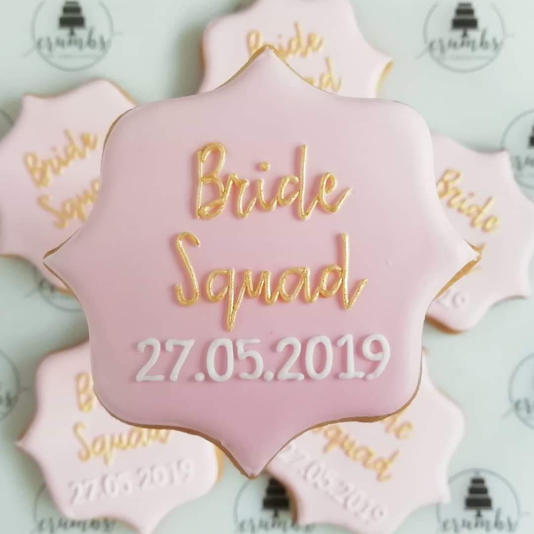 Pink bridesmaid biscuit