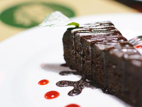 Amazing Flourless Chocolate Cake