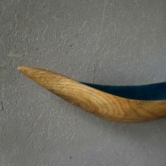 #änz    Einbaum-Skulptur