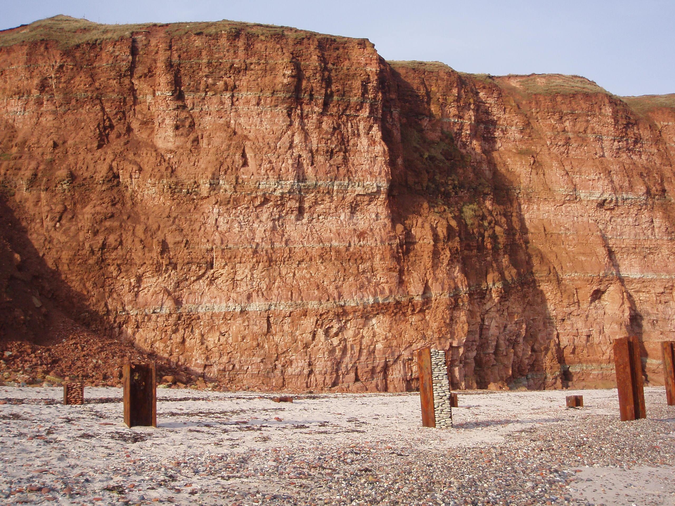 Säulen weiß rot