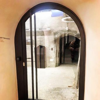 Eingepasste Tür aus Glas
