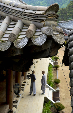 Temple_d'Haeinsa_Janggyeong_Panjeon,_les