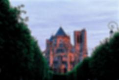 Cathédrale_de_Bourges_1.jpg