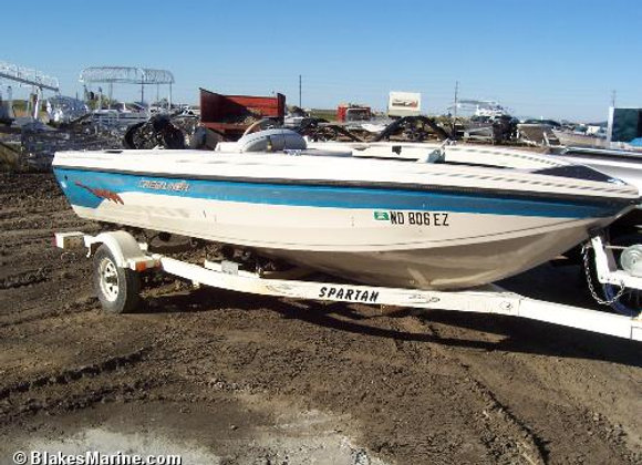 1998 17ft Crestliner - Salvage