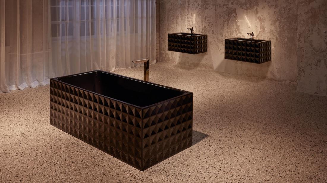 DESIGNER BATH TUBS