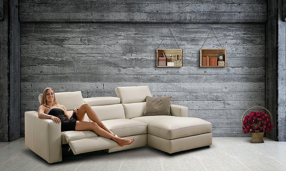 Белый кожаный диван из Италии реклайнер