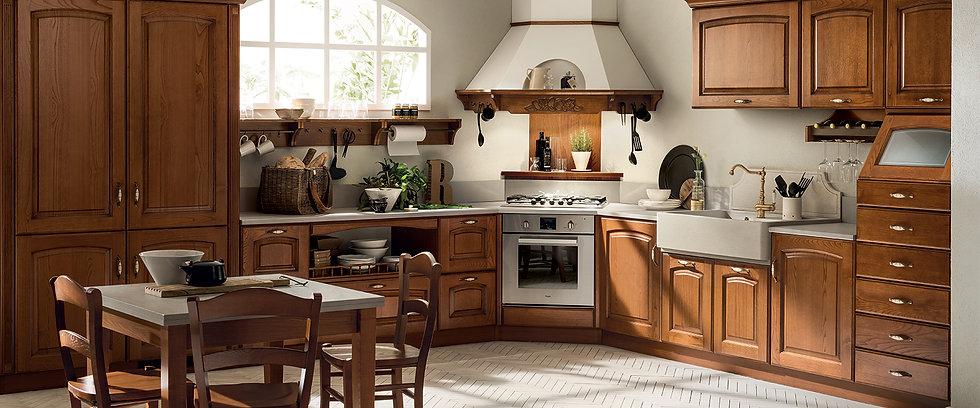 Кухня Madeleine цвета Каштан, в духе кухонь старины, располагает к уютному времяпрепровождению: открытые крайние элементы (до