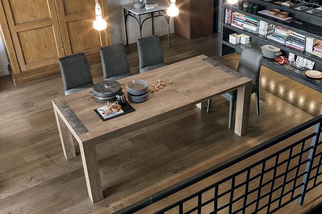 Итальянский обеденный стол Monolite 130 в современном стиле