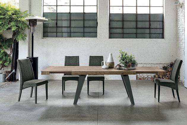 Итальянский обеденный стол Scirocco в современном стиле от фабрики Target Point