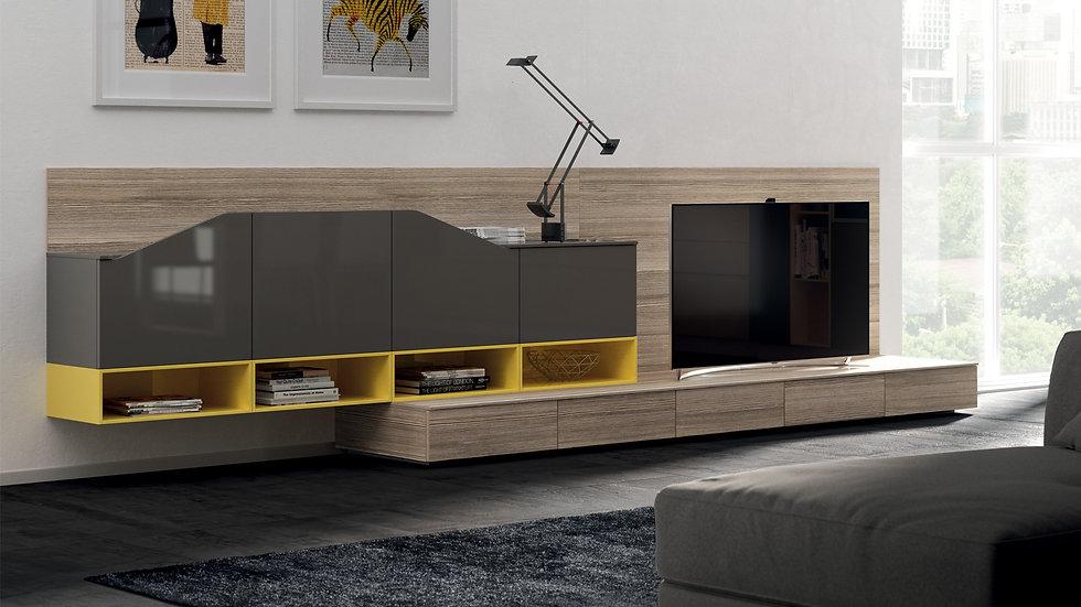 Независимая гостиная, которая предлагает изысканное цветовое сочетание кухни и сочетает открытые отсеки
