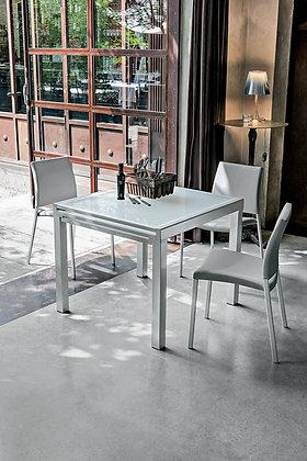 Итальянский обеденный стол Vega 90 в современном стиле от фабрики Target Point