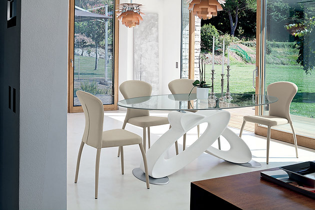 Итальянский обеденный стол Eclipse в современном стиле от фабрики Target Point
