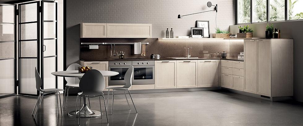 Кухню Carattere можно облачить в шпонированную отделку, которая придаст современной кухне более классическую атмосферу: Ясень