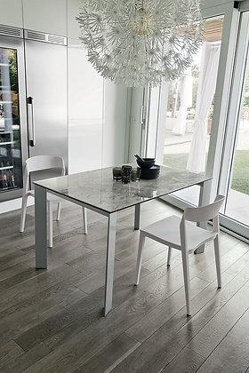 Итальянский обеденный стол Saturno 130 в современном стиле от фабрики Target Point