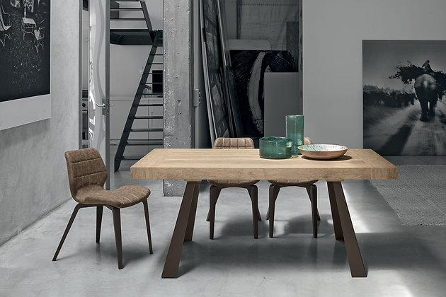 Итальянский обеденный стол Grecale в современном стиле от фабрики Target Point