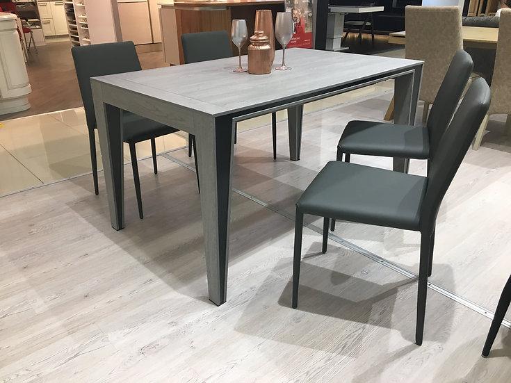 Обеденный стол Edosus 140