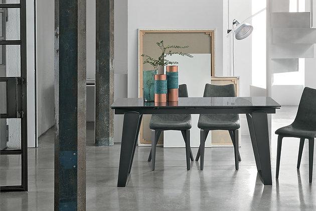 Итальянский обеденный стол Zeus 160  в современном стиле от фабрики Target Point