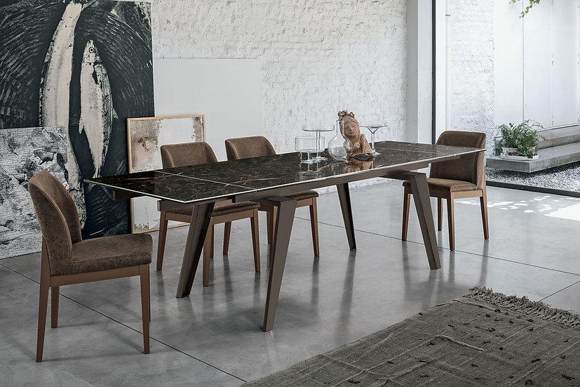 Итальянский стол Vittorio 160 в современном стиле со столешницей из керамогранита