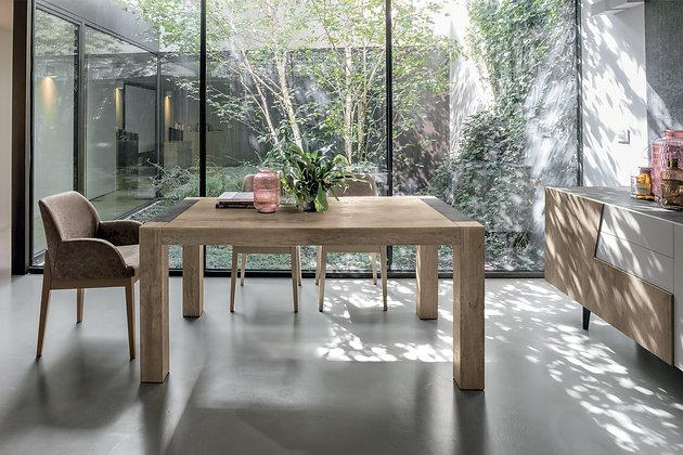 Итальянский обеденный стол Monolite 160 в современном стиле