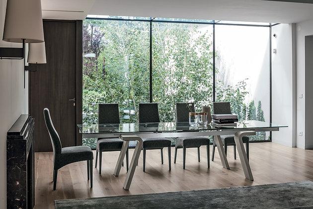 Итальянский обеденный стол Omnia в современном стиле от Target Point