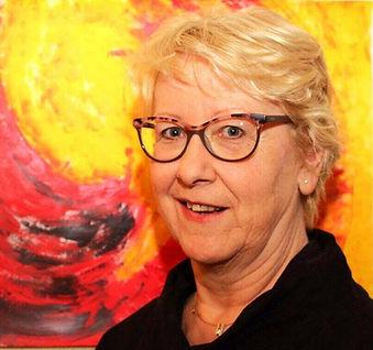 Birgit Reinemund Arts vor Bild klein.jpg