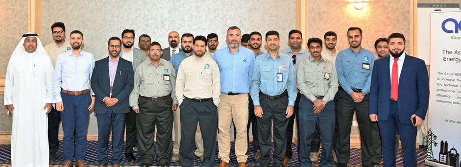 اجتماع القسم في دائرة مصفاة ينبع - أرامكو السعودية