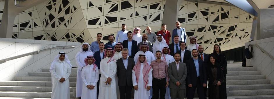 اجتماع القسم في مركز الملك عبدالله للدراسات و البحوث البترولية