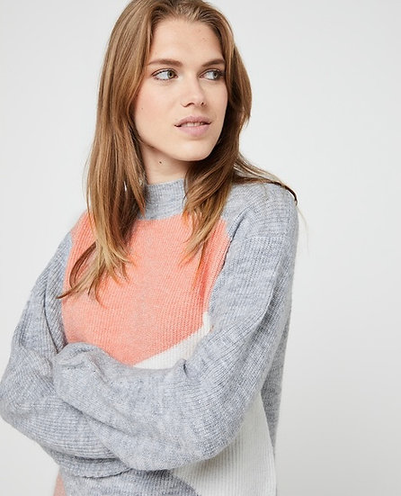 Pull mousseux col montant