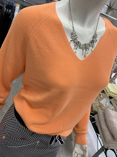 Pull orange col v