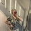 Thumbnail: Tee-shirt col V imprimé léopard