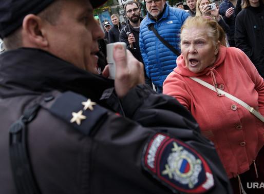 Треть россиян готова выйти на улицы. Ради чего